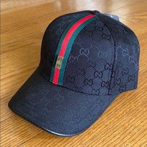 Black designer stripe cap, NWT